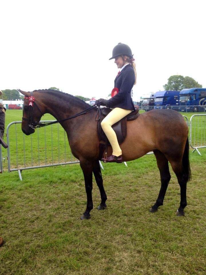 Maisie Kivlochan and Wayfaring Bluebell